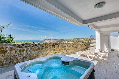 Modern Villa With Spectacular Sea and Beach Views, Outdoor Shower, Jacuzzi, BBQ