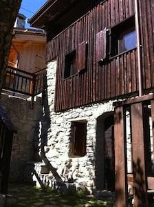 Charmant chalet dans un village savoyard au calme