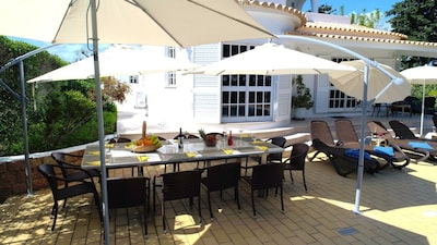 Villa Tenazinha I with Private Pool, garden and barbecue, Pool and Tennis Table