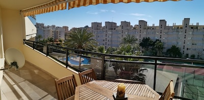 Wide apartment close to the beach, FREE WIFI, wide gardens close to golf