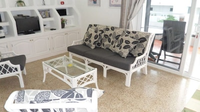 1 Bedroom Apartment with  South Facing Patio Free Wi-Fi and English TV Channel