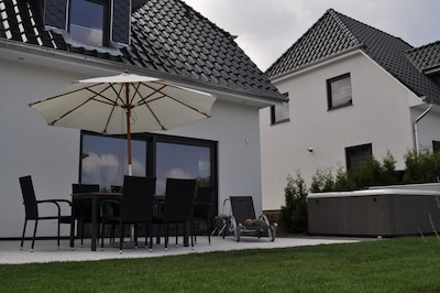 Casa Girasole  mit Terrasse und Whirlpool