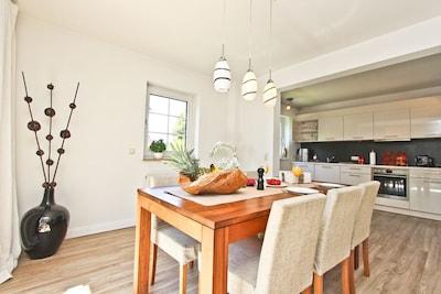 offener Küchen und Essbereich
