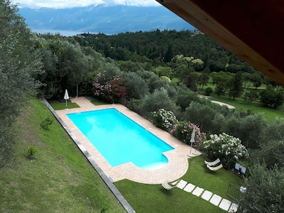 Appartamenti con piscina, vista mozzafiato sul lago, campo da golf a Cecina