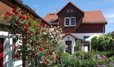 Landhaus Schramm vom Garten aus betrachtet