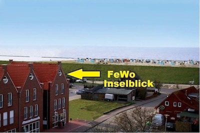 Dachstudio mit Blick vom Sofa auf die Nordsee und auf Juist und Norderney