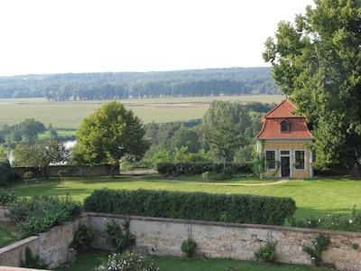 Paviljoen 'Lug ins Land', 100 m afstand van het huis Burgblick in het Muldental
