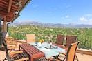 freier Blick von der Terrasse über das Tal von Selva