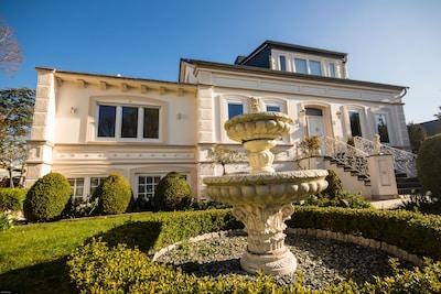 Exklusive Gründerzeit Villa mit Sonnenterrasse
