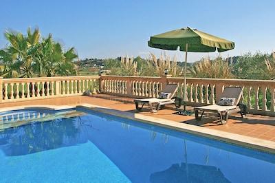 4 x 8 Meter großer Pool mit römischer Treppe