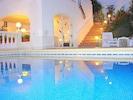 """Villa Gandia Hills, mit """"Ferienwohnung Valencia"""", Meerwasser-Pool, Eingang Fewo"""
