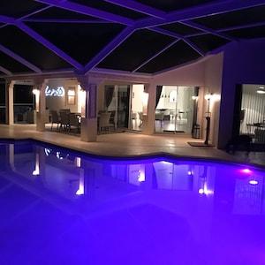 NOVO! Villa elegante em Bonita Springs! Moderno, com piscina de água salgada de grandes dimensões!