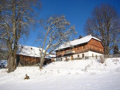 Hatzingerhof in winter
