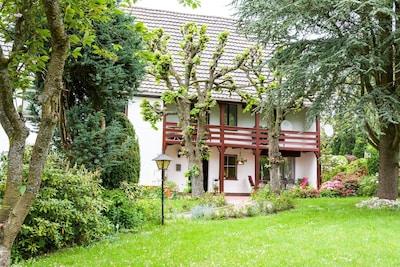 Ferienwohnung in Reichshof-Sinspert mit großer Terrasse und Garten