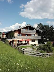 Unser Ferienhaus Sonnhof im Sommer