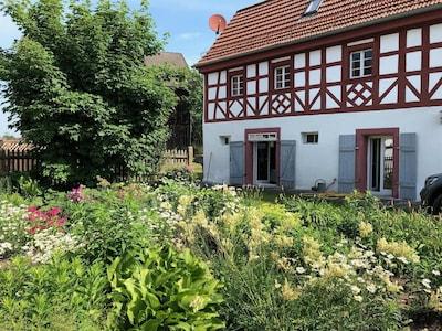 Haus mit Bauerngarten
