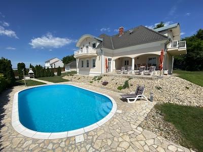 Feriendomizil mit Pool