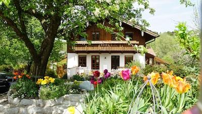 Haus und Garten im Mai