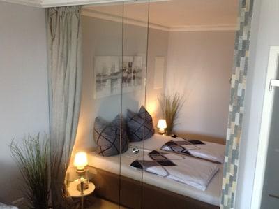 4 **** Luxuriöse Ferienwohnung in direkter  Strandlage mit 2 sep. Schlafzimmern