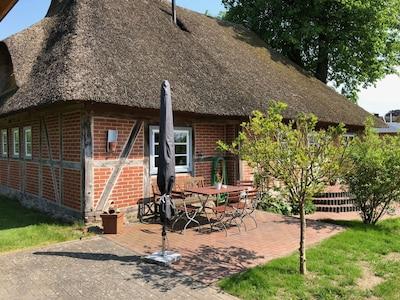 Charmante historische Reetdachkate Nähe Lübeck und Ostsee
