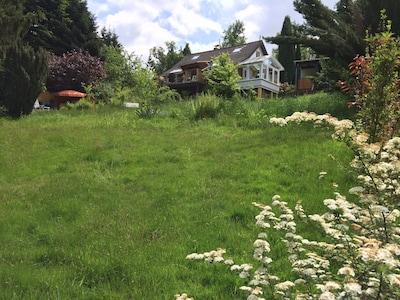 Ferienhaus mit großem Naturgarten, Saunahaus, W-LAN,  30 Min. von Köln