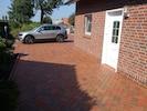 Separater Parkplatz und Eingang für Feriengäste