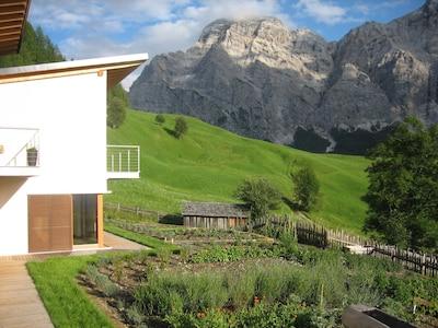 Garten mit Bergblick