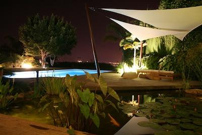 Casa bien cuidada con piscina privada + barbacoa y jardín!