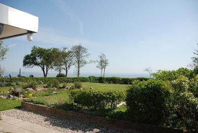 Villa Schönhagen - direkt am Ostseestrand mit freiem Blick auf die Ostsee