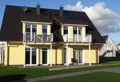 Blick auf Wohnung (rechts unten)