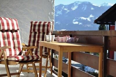 Sitzplatz in der Sonne auf dem großen Südbalkon