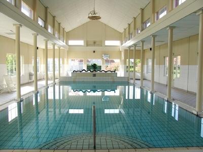 Schwimmbad im VillaPark