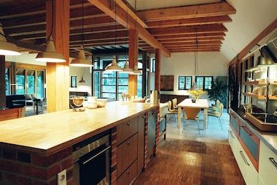 Hochwertig ausgestattetes  Ferienhaus mit 520 m2 Wohnfl.  für  8 - 16 Pers