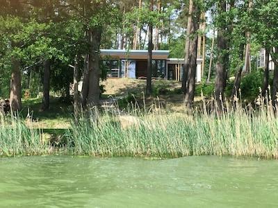 Ferienhaus PANORAMA LYCHENSEE vom See aus
