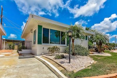 Aloha Kai, Siesta Key, Florida, USA