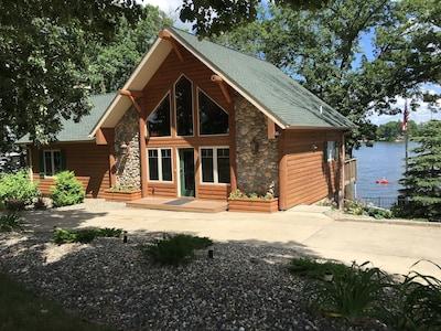Welcome to The Lodge on Big Sauk Lake!