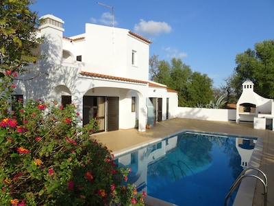 Villa with Private Pool and Sea View, Family Friendly, Shaded Detached Pavillion