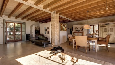 Rustic villa exclusive design 10 minutes from Palma, AC, wi-fi, private pool