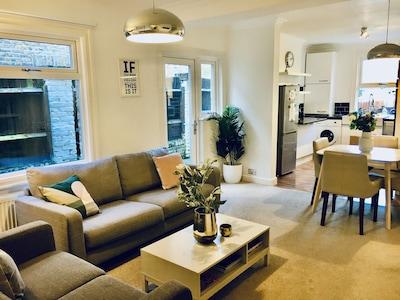 Delizioso appartamento spazioso con 2 letti - ottimi collegamenti di trasporto