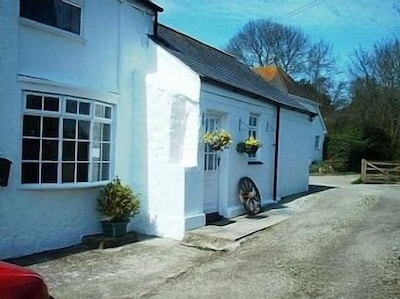 Rural Country Cottage, Located Centrally To Explore Cornwall