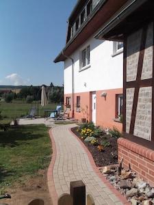 90qm Fewo Eisenach Hainich *** Wasserbett Kamin Kinderzimmer eigener Garten ,