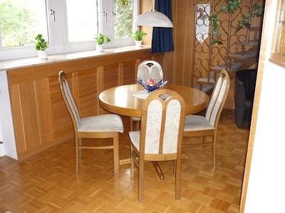 Esszimmertisch ausziehbar für bis zu 6 Personen