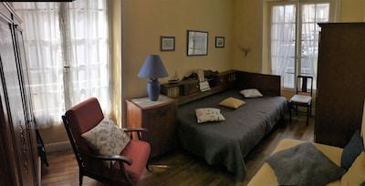 Chambre 1 isolation tri-phonique 1 lit 140 un lit 90