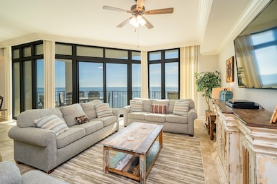 Spacious Living Room that opens to Gulf Front Balcony Queen Sleeper Sofa