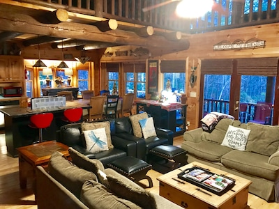 HOT❤️40% OFF Feb 9-11 OPEN BEST MtnView/NEWHottub/Adult PoolTable /PingPong/Hikin