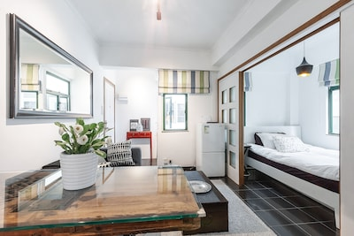 Bright 1 bed room flat with rooftop