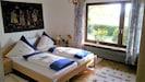 Ferienwohnung Zotz, 80qm, Terrasse, 2 Schlafzimmer, max. 4 Personen