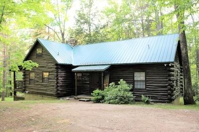 Beautiful Log Cabin, Jackson NH WE DO NOT ADVERTISE ON CRAIG'S LIST