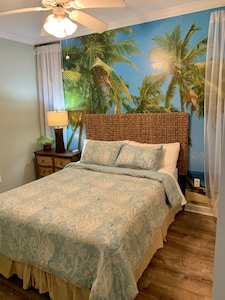 #2 bedroom with queen bed and jack 'n jill bath with walk-in oversize shower