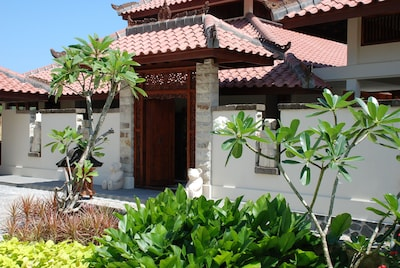 Luxury Villas - 45 min from Singapore